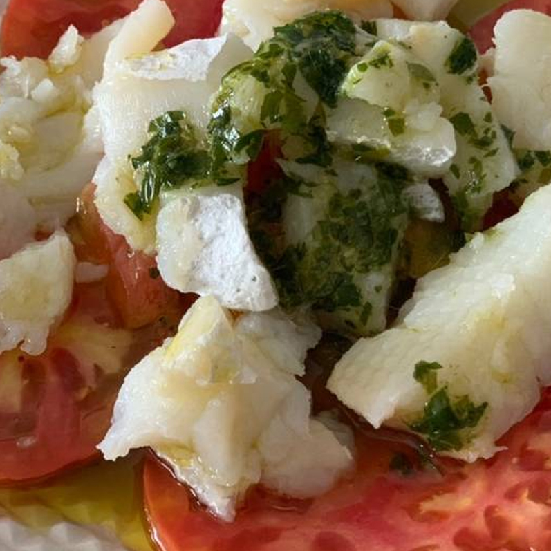 Ensalada de Bacalao con Tomate Natural